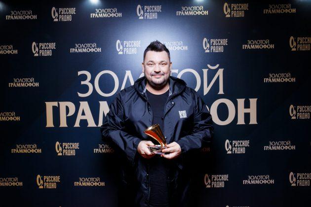 """Сергей Жуков, """"Руки вверх"""" (""""Она меня целует"""")"""
