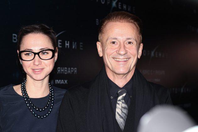 Олег Меньшиков и его жена, Анастасия Чернова