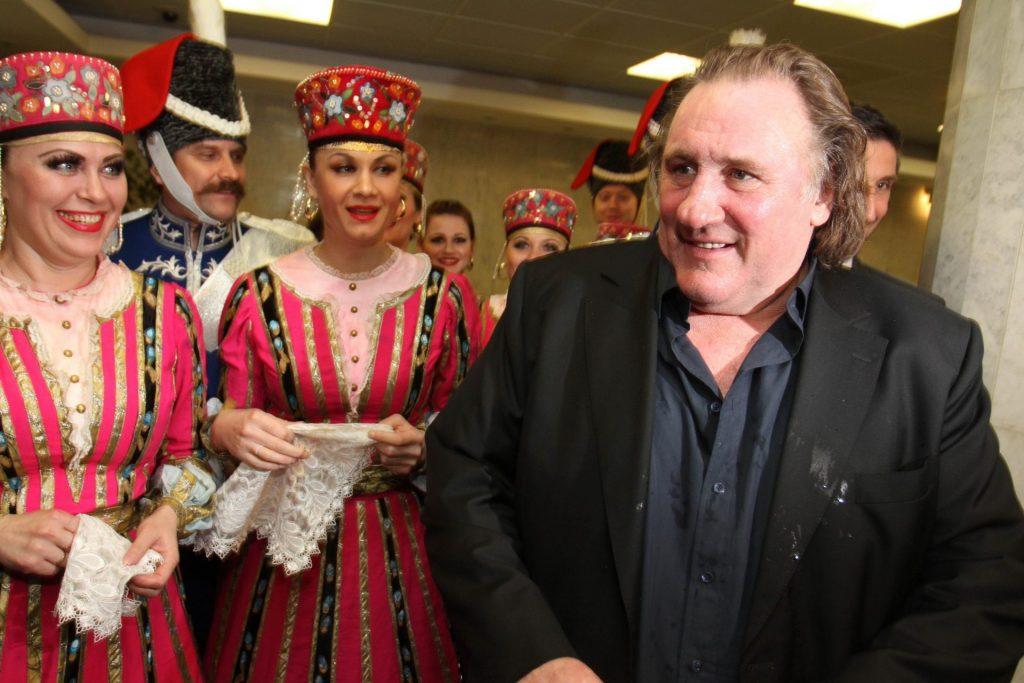 Задержанный нетрезвым за рулем Депардье заявил, что хочет в Россию