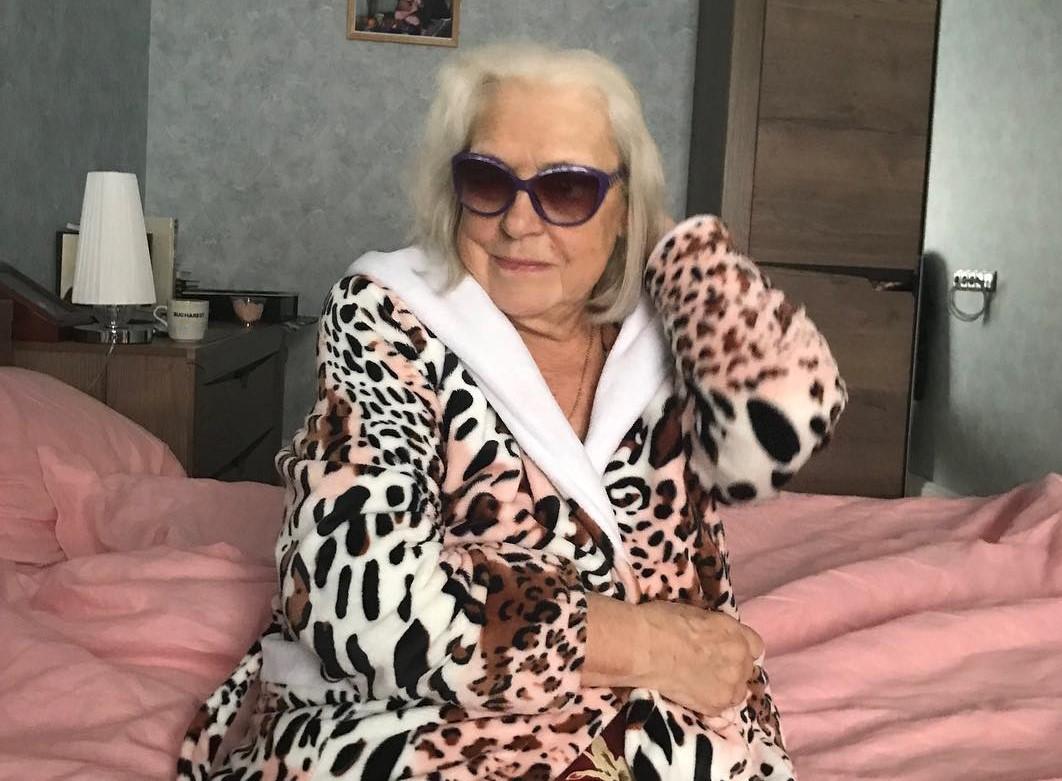 «Сумасшедшая старуха»: Федосеева-Шукшина разрыдалась при виде Алибасова