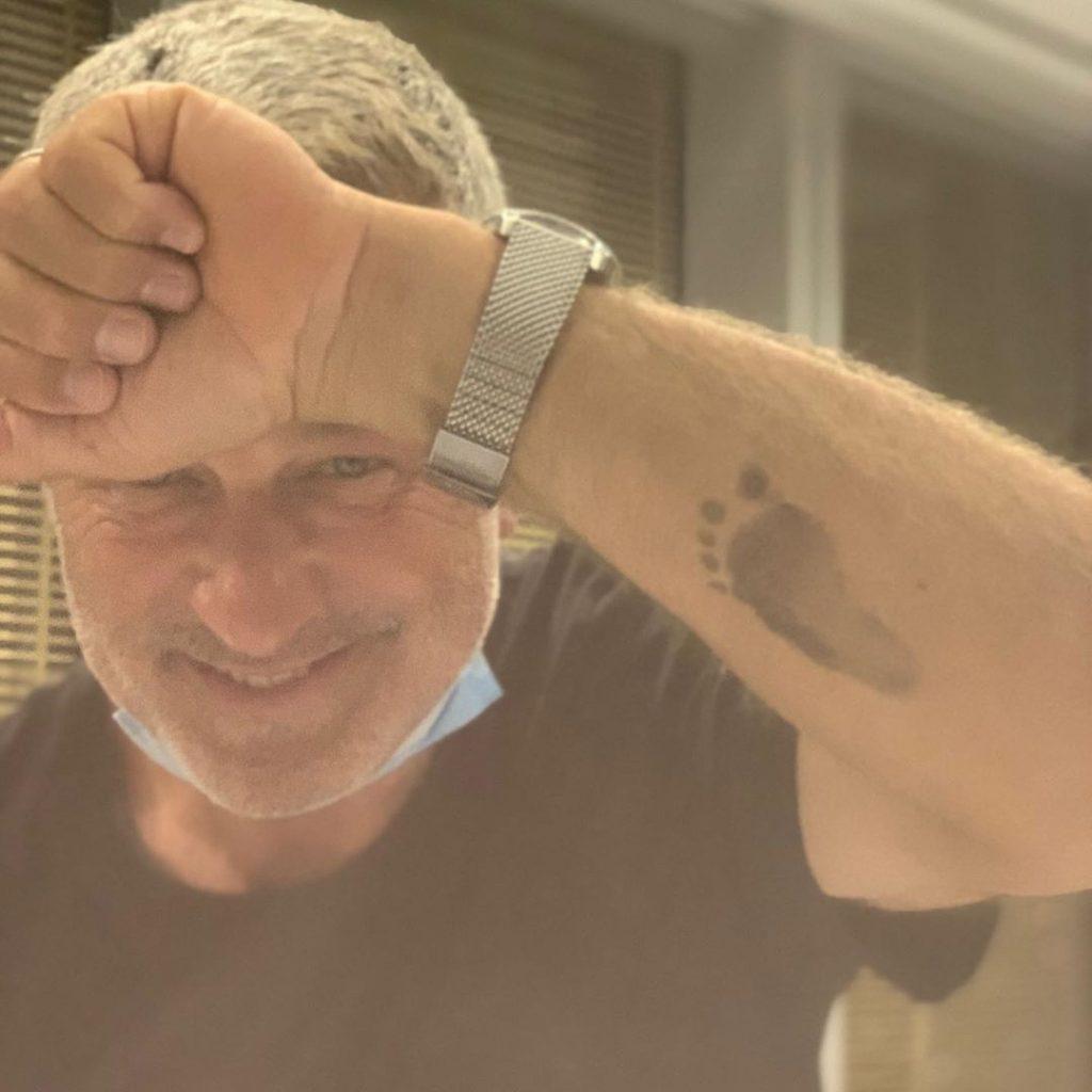 62-летний Алек Болдуин в шестой раз стал отцом