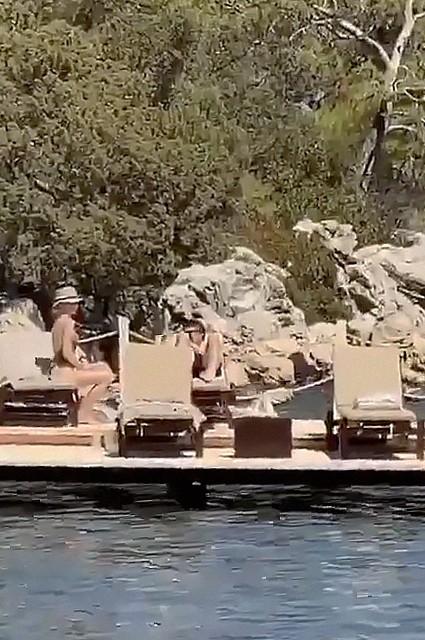 Папарацци сняли в Турции на видео Козловского и Акиньшину