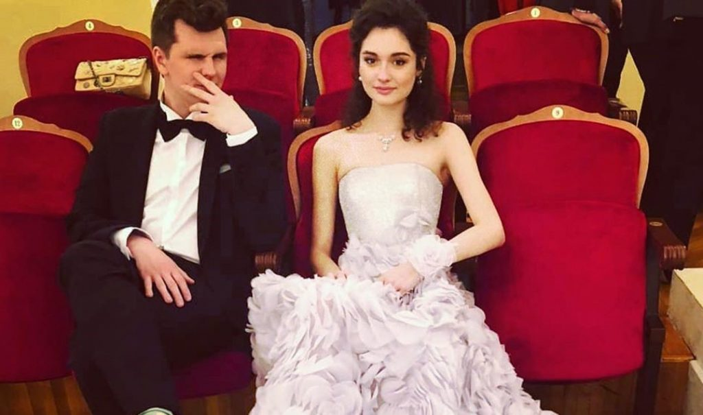 Дочь Кончаловского и Толкалиной вышла замуж за Кузьмина